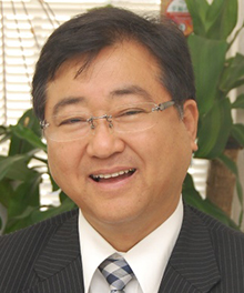 亀岡 章 先生
